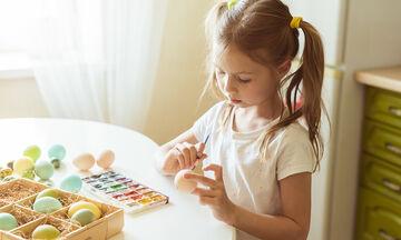 Πασχαλινό πρόγραμμα βαρεμάρας: Ιδέες για να απασχολήσετε τα παιδιά στο σπίτι το Μεγάλο Σάββατο