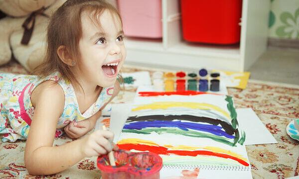 Τρεις δημιουργικές δραστηριότητες για να μη βαριούνται τα παιδιά στο σπίτι