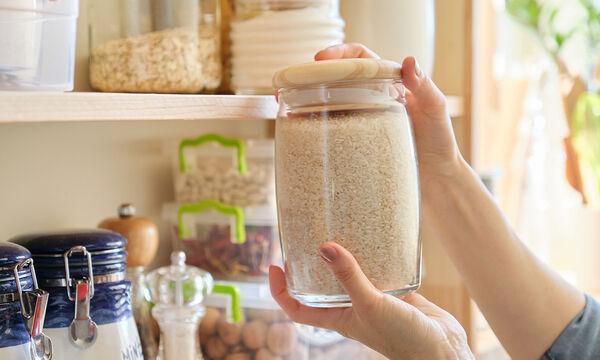 #Μένουμε_Σπίτι: Οι τρεις απίστευτες χρήσεις του ρυζιού στην καθαριότητα της κουζίνας (pics)