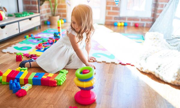 Μοντεσσοριανή εκπαίδευση στο σπίτι: Το παιχνίδι που εξασκεί μυαλό και σώμα