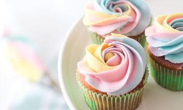 #Mένουμε_Σπίτι: 10 ιδέες για τα πιο ανοιξιάτικα cupcakes που μπορείτε να φτιάξετε με τα παιδιά (pic)