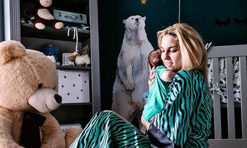 Μαντώ Γαστεράτου: Τα παιχνίδια με τον γιο της και οι τρυφερές φωτογραφίες (pics)