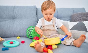 #Μένουμε_ σπίτι: Μαμά προτείνει 16 δραστηριότητες για παιδιά 1 έως 2 ετών (vid)
