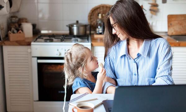 Μαμάδες σε καραντίνα: Απλά tips για ευεξία και καλή διάθεση (pics)