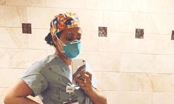 Η εγκυμονούσα νοσηλεύτρια ποζάρει με την φουσκωμένη της κοιλια και το μήνυμά της συγκινεί