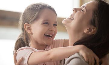Παγκόσμια Ημέρα Γέλιου: Ποια τα οφέλη του γέλιου για τα παιδιά;