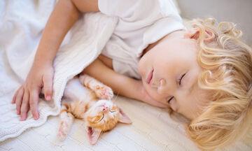 Τι να κάνετε αν το παιδί βρέχει το κρεβάτι του (pics)