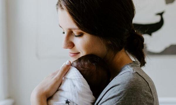 Η «Επιδερμίδα της Κουρασμένης Μαμάς» είναι κάτι που έχουμε… πάθει όλες, αλλά υπάρχει λύση