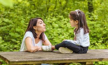 Υιοθεσία: Πρέπει να πω στο παιδί μου ότι είναι υιοθετημένο;