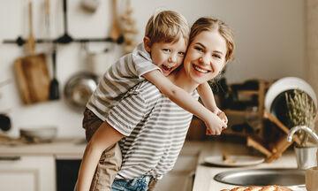 Οι 5 καλύτερες συνταγές που μπορείτε να φτιάξετε με τα παιδιά σας για την γιορτή της Μητέρας