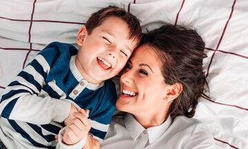 «Είμαι ευγνώμων στη γυναίκα που γέννησε το γιο μου. Τον έφερε στον κόσμο και έκανε και εμένα μαμά»