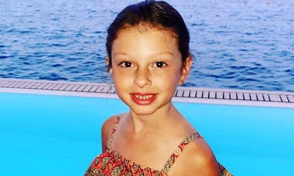 Το κοριτσάκι της φωτογραφίας είναι η κόρη πασίγνωστου Έλληνα ποδοσφαιριστή! (pics)