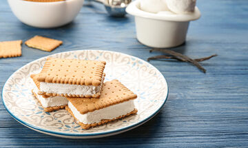 Παγωτό σάντουιτς με μπισκότα πτι μπερ (vid)