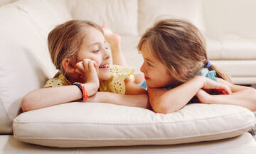 5+1 λόγοι για τους οποίους το να έχεις αδερφή είναι υπέροχο (pics)