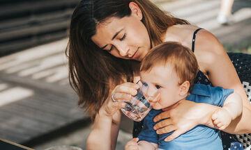Πώς να προστατεύσετε το μωρό σας από τη ζέστη (pics)