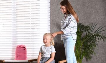 Θα επιστρέψουν τα παιδιά στο Δημοτικό και το Νηπιαγωγείο; 6 πράγματα που σκέφτονται οι μαμάδες