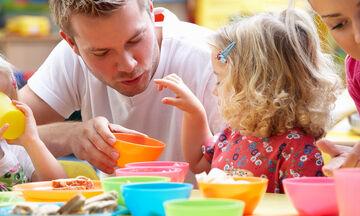 Επτά αυτοσχέδια και διασκεδαστικά παιχνίδια που ενισχύουν την δημιουργικότητα των παιδιών