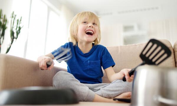 «Μαμά, βαριέμαι» - Πέντε διασκεδαστικά παιχνίδια με κουζινικά σκεύη (pics)