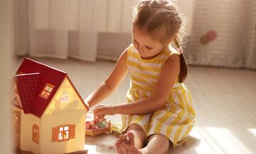 Κατασκευές για κορίτσια που λατρεύουν τις Barbie - Τι μπορούν να φτιάξουν (vid)