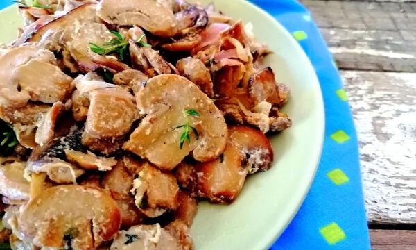 Πανεύκολη συνταγή για κρεμώδη μανιτάρια με σκόρδο και θυμάρι & 3 τρόποι για να τα απολαύσεις (pics)