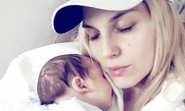 Μαντώ Γαστεράτου: Αυτή είναι η πρωινή ρουτίνα με το μωρό της και τη λατρεύει (pics)