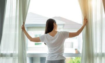 Έξυπνα tips για να καθαρίσετε αποτελεσματικά τις κουρτίνες του σπιτιού (pics)