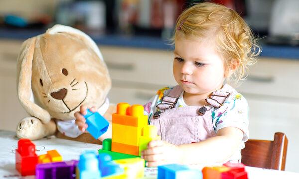 Πέντε εκπαιδευτικές δραστηριότητες για νήπια εντός σπιτιού (vids)