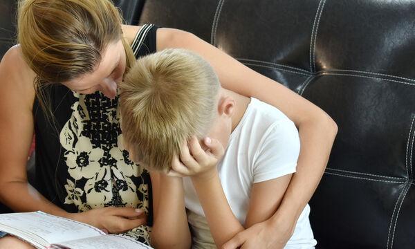 Η υπερπροστασία βλάπτει τα παιδιά