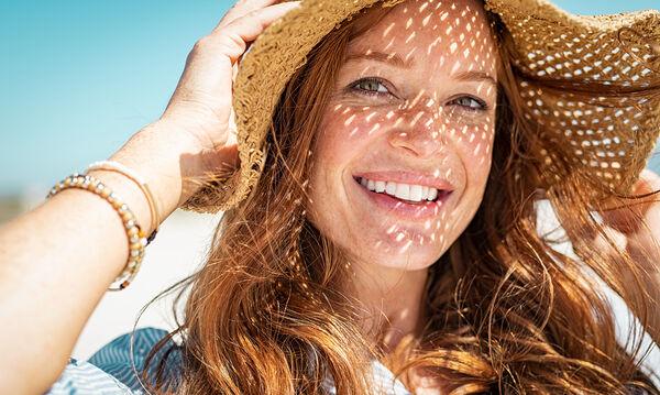Το απόλυτο καλοκαιρινό χτένισμα: Αποκτήστε κυματιστά μαλλιά με 3 τρόπους