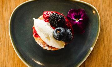 «Fluffy Japanese Pancakes»: Οι Γιαπωνέζοι έχουν δικά τους pancake και πρέπει να τα δοκιμάσεις ASAP