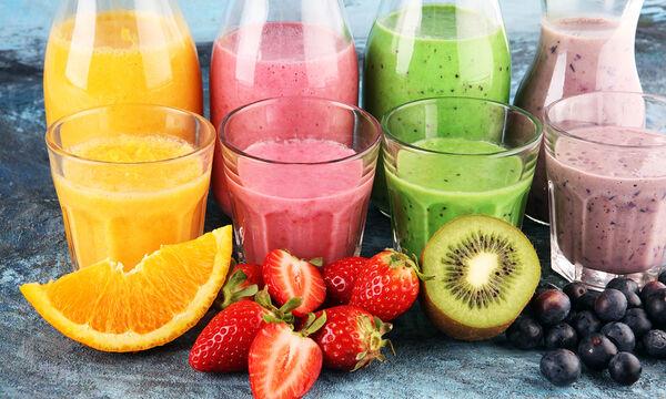Πέντε smoothies λαχανικών και φρούτων με λίγες θερμίδες που πρέπει να δοκιμάσετε (vid)