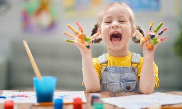 Δέκα απίθανα κόλπα ζωγραφικής που θα ενθουσιάσουν τα παιδιά (vid)