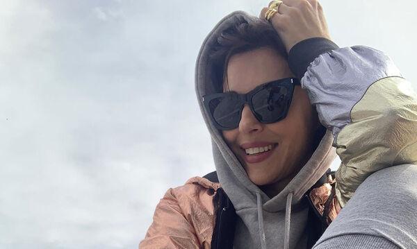 Σίσσυ Φειδά: Η νέα φωτογραφία με την κόρη της θα σε συναρπάσει! Έχει γούστο από… κούνια