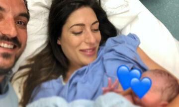 Φλορίντα Πετρουτσέλι: Οι φώτο που έχει δημοσιεύσει με τον 20 ημερών γιο της