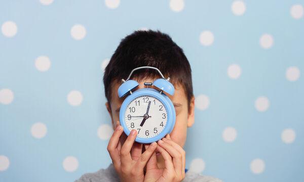 Χειροτεχνίες για παιδιά: Μάθετε στο παιδί σας την ώρα με αυτήν την εύκολη κατασκευή (vid)