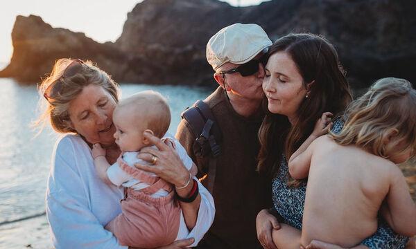 Παγκόσμια Ημέρα Γονέων: Υπέροχες φωτογραφίες αναδεικνύουν τη μοναδικότητα του να είσαι γονιός (pics)
