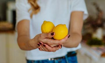 Τι μπορείτε να καθαρίσετε με λεμόνι μέσα στο σπίτι