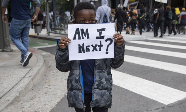 Black Lives Matter: Και τα παιδιά διαδηλώνουν ενάντια στο ρατσισμό (pics)