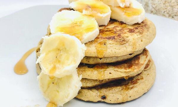 Φτιάξε pancakes με βρώμη και μπανάνα ιδανικά για πριν τις εξετάσεις