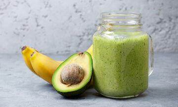 Θρεπτικό smoothie με μπανάνα και αβοκάντο για γονείς και παιδιά
