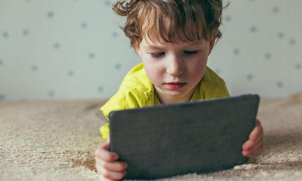 5 τρόποι για να προστατέψετε τα μάτια του παιδιού σας από την ακτινοβολία