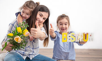Οκτώ τρόποι να είσαι μια καλή μαμά αντί να προσπαθείς να γίνεις τέλεια