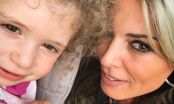 Κατερίνα Λάσπα: Η εντυπωσιακή φωτογραφία με την κόρη της στη θάλασσα