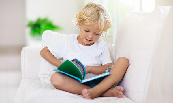 Ποια είναι τα οφέλη του να διαβάζετε με τα παιδιά;