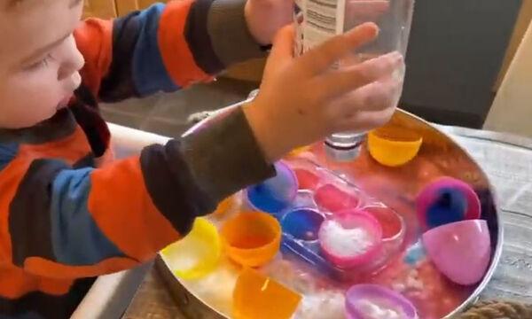 Εντυπωσιακό πείραμα για παιδιά με μαγειρική σόδα και ξύδι - Δοκιμάστε το