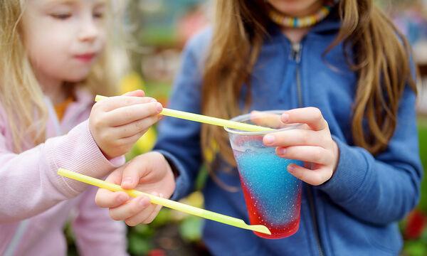Πέντε καλοκαιρινές συνταγές που μπορούν να φτιάξουν τα παιδιά (vids)