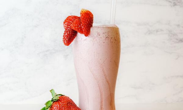 Πώς θα φτιάξεις το πιο yummy milkshake φράουλας