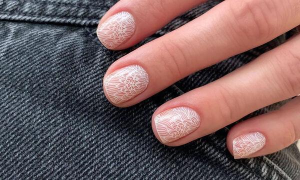 Η μαμά έχει... μανικιούρ: Δες πώς θα βάψεις τα νύχια σου αυτήν την εβδομάδα