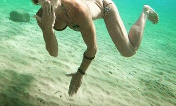 Μία από τις πιο hot μαμάδες της ελληνικής showbiz (pics)