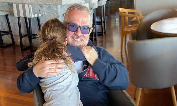 Γιώργος Λύρας: Λατρεία με την κόρη του - Δείτε τη νέα καλοκαιρινή φώτο